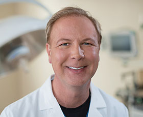 Meet Dr. Cornelius Verhoest <br> Robotic Surgeon
